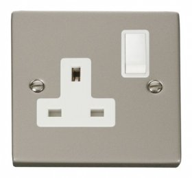 Click Deco Pearl Nickel 13A Single Switched Socket VPPN035WH