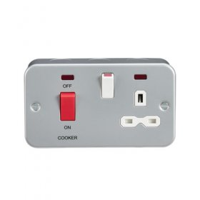 Knightsbridge Metal Clad 45A DP Sw + 13A Socket Neon MR8333N