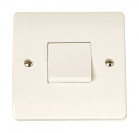 Click Curva CCA021 10A 1 Gang 3 Pole Switch
