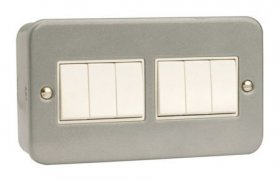 Click Metal Clad 10AX 6 Gang 2 Way Plate Switch CL105