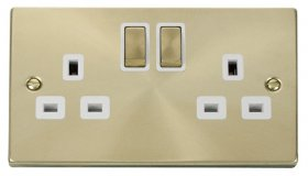 Click Deco Satin Brass 13A Double Switched Socket VPSB536WH