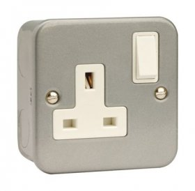 Click Metal Clad 13A 1 Gang DP Switched Socket CL035
