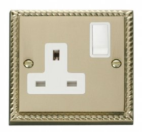 Click Deco Georgian Brass 13A Single Switched Socket GCBR035WH