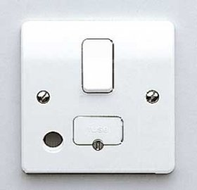 MK Logic Plus K1030WHI 13A DP Switched Fused Spur + Flex Outlet