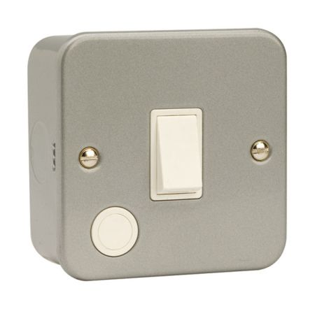 Click Metal Clad 20A Double Pole Switch with Flex Outlet CL022