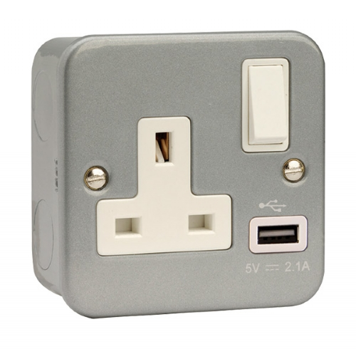 Click Metal Clad USB 1 Gang Switched Socket CL771