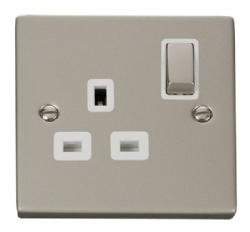 Click Deco Pearl Nickel 13A Single Switched Socket VPPN535WH