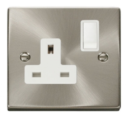 Click Deco Satin Chrome 13A Single Switched Socket VPSC035WH
